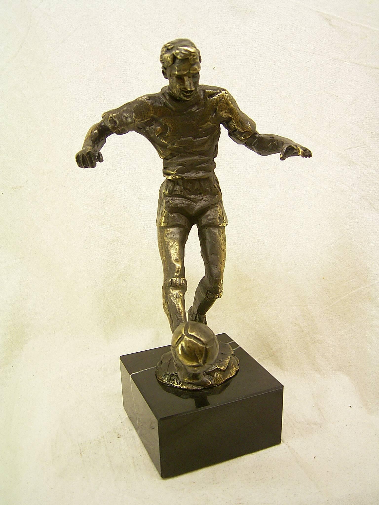 Bronzen Beeldjes - WMA248 Voetbal 25CM